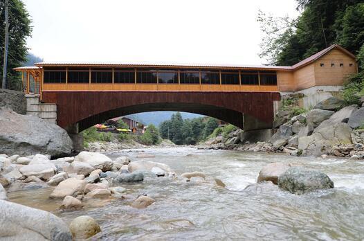 Burası Rize... 3 yıl önce köprü olarak yaptırıldı bugün ise...