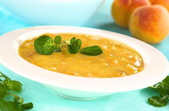 Sıcak günlerin meyvesi şeftaliyle soğuk bir çorbaya ne dersiniz?