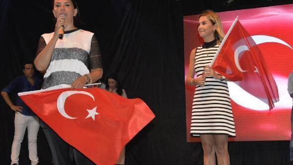 Antalya'da darbe girişimine karşı demokrasi şöleni