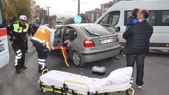 3 yaşındaki Mehmet Efea, kazada yaralanan annesi için ağladı