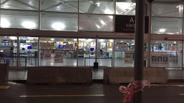 Atatürk Havalimanında şüpheli paket alarmı (1)