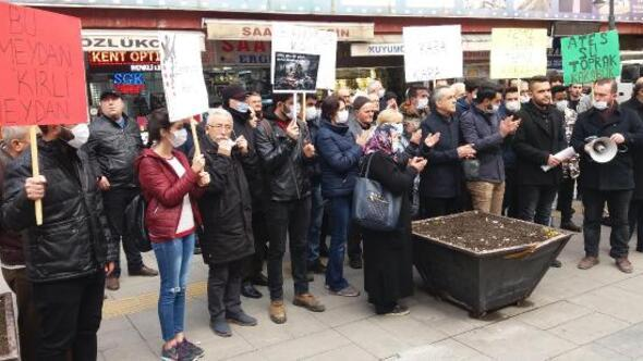 Hava kirliliğini maske takarak protesto ettiler