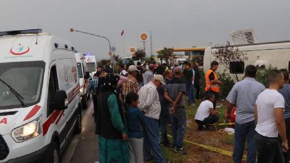 Manisada yolcu otobüsü devrildi: 1 ölü, 25 yaralı
