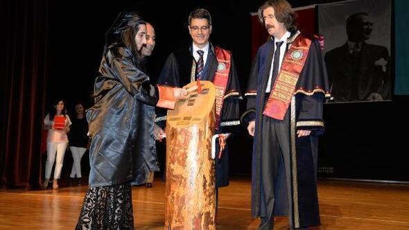 Sosyal Bilimler MYO'da mezuniyet sevinci