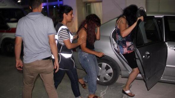 Karamanda fuhuş şebekesine operasyon: 2si kadın, 5 gözaltı
