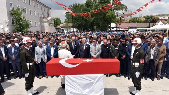 Şehit Astsubay Adem Tunç, son yolculuğuna uğurlandı