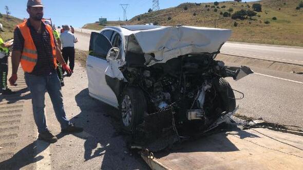 İş makinesine çarpan otomobilin sürücüsü iş insanı öldü
