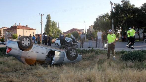 Karamanda otomobil takla attı: 2 yaralı