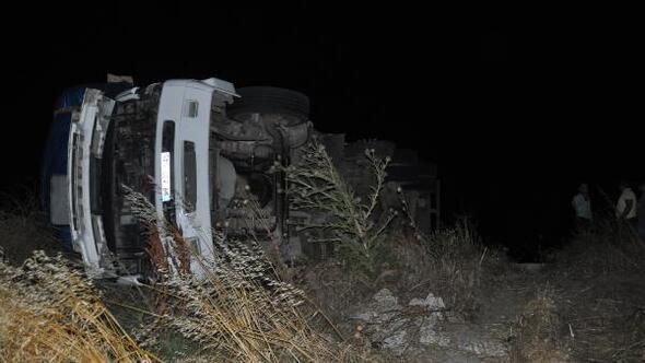 Malkarada trafik kazaları: 2 yaralı