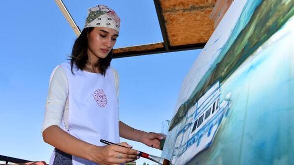 Ressamlar, tarihi Murat Köprüsünü çizdi