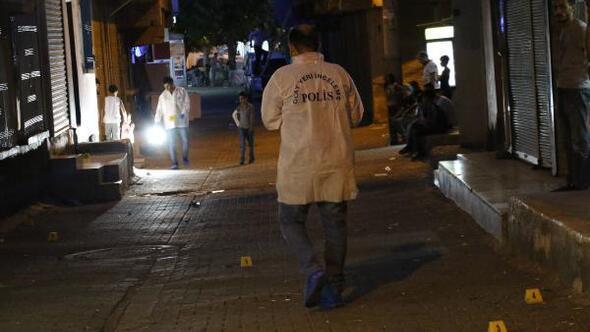 Silahlı kavgada baba ve 2 oğlu yaralandı