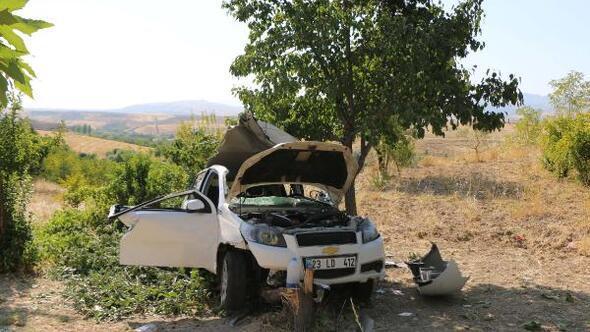 Yeni evli çift kazada ağır yaralandı