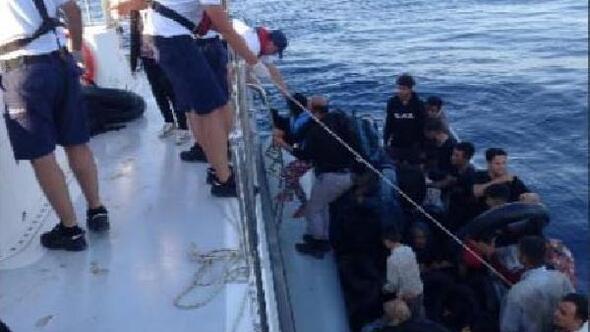 Çeşme ve Selçukta 58 kaçak göçmen yakalandı
