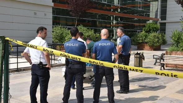 Hastane bahçesindeki bankta ölü bulundu