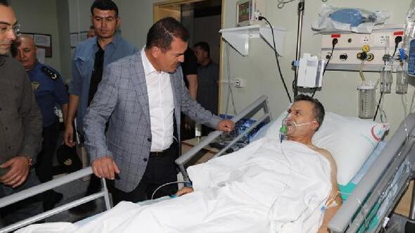 Vali Akbıyık, bıçaklı saldırıda yaralanan polis müdürünü ziyaret etti