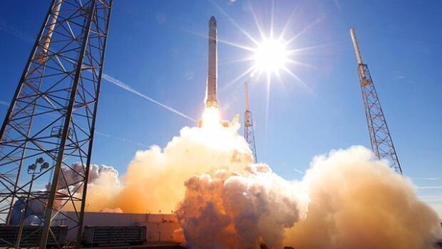 Çin'de ilk kez özel sektör uzaya uydu fırlattı