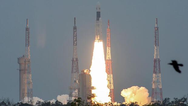 Hindistan'ın uzay aracı Chandrayaan-2 Ay'ın yörüngesine girdi