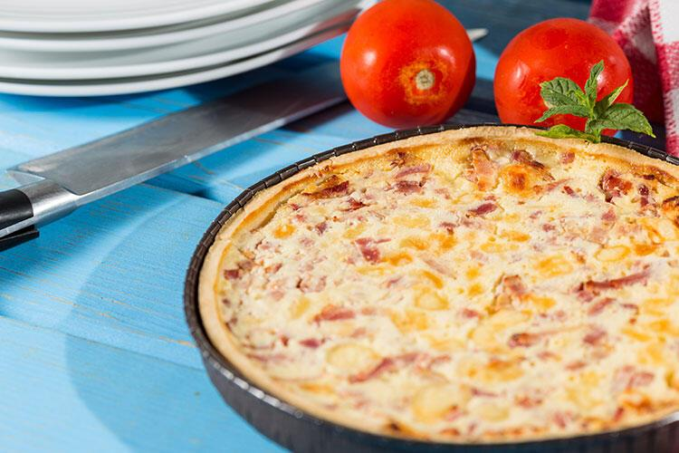 Peynirli ve jambonlu kiş tarifi