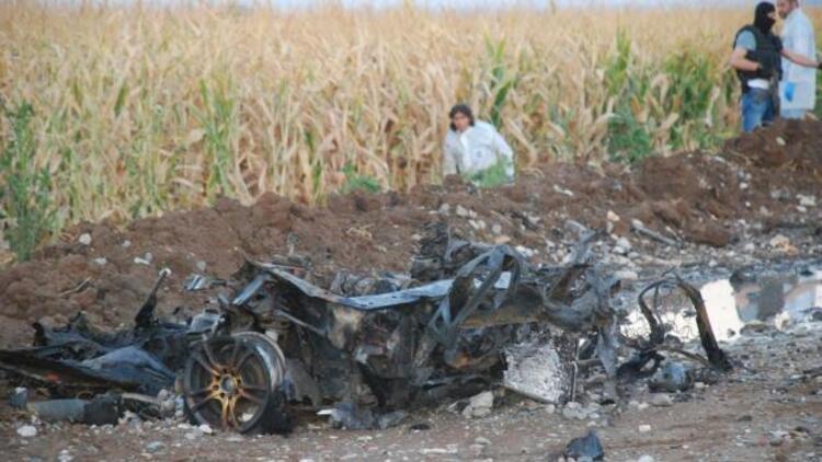 Batman'da bomba yüklü patlatılan araçtan cephanelik çıktı