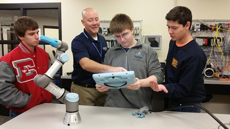 Robot programlaması için ücretsiz online eğitim programı başladı!