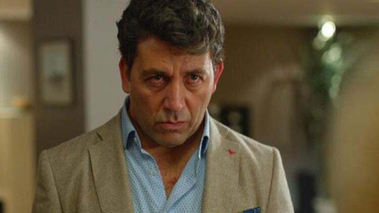 Oyuncu Emre Kınay'dan referandum tepkisi