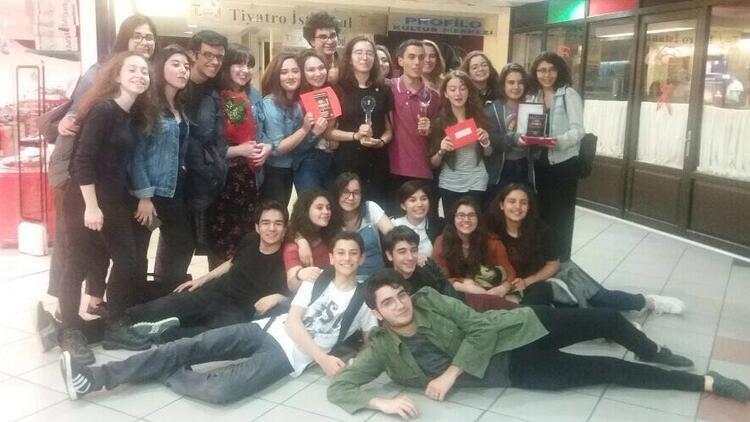 Tiyatronun genç yıldızları Galatasaray Lisesi'nden