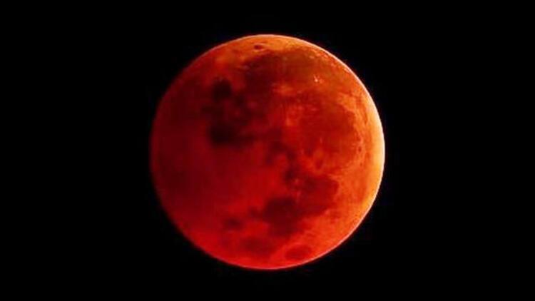 Süper Kanlı Mavi Ay tutulması büyük bir keyifle izlendi... İşte Kanlı Ay tutulmasından fotoğraflar