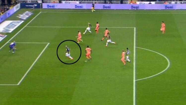 Fernandao'nun golü ofsayt mi? Tartışmalı pozisyon...