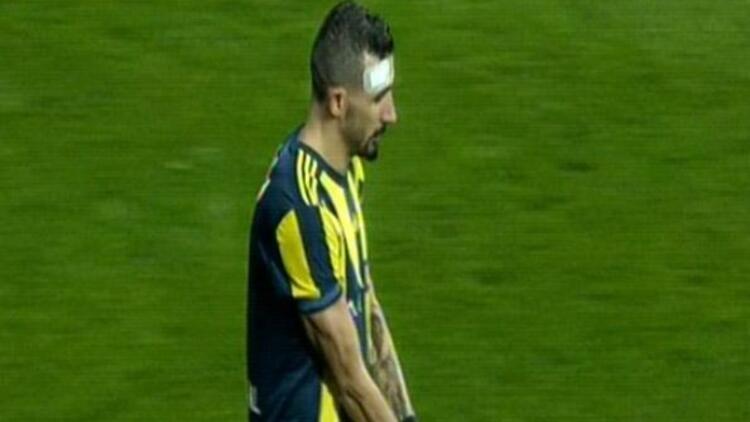 Tribünler Mehmet Topal'ı sakatladı! Derbide gergin anlar