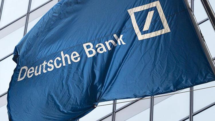S&P, Deutsche Bank'ın notunu düşürdü