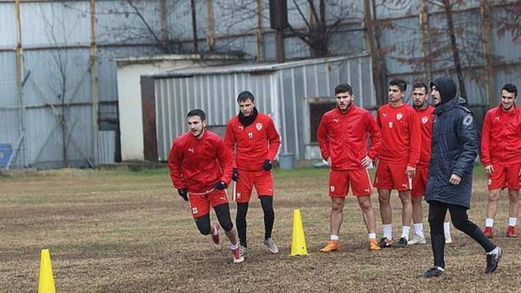 Manisaspor 13 futbolcu deniyor