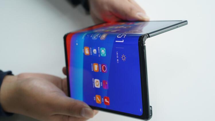 Huawei Mate X gerçekten satabilecek mi?