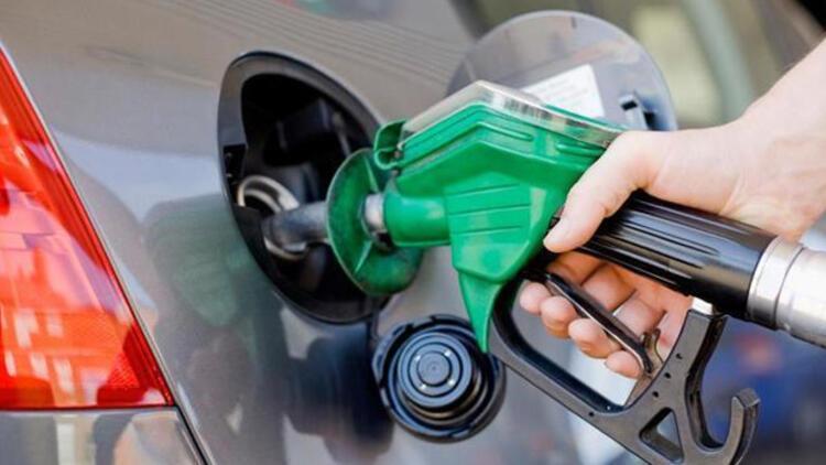 Benzin ve motorine zam yolda ile ilgili görsel sonucu