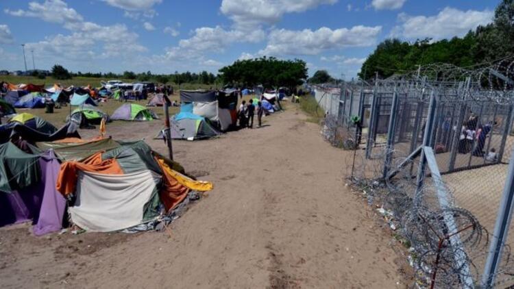 Macar hükümet sözcüsü 'mültecilerin aç bırakıldığı iddiaları'nı yanıtladı: Bedava yemek yok!