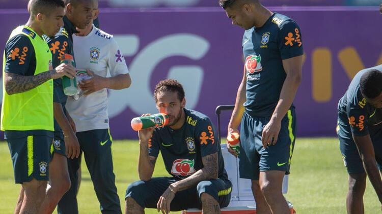 Neymar'a kaptanlık şoku!