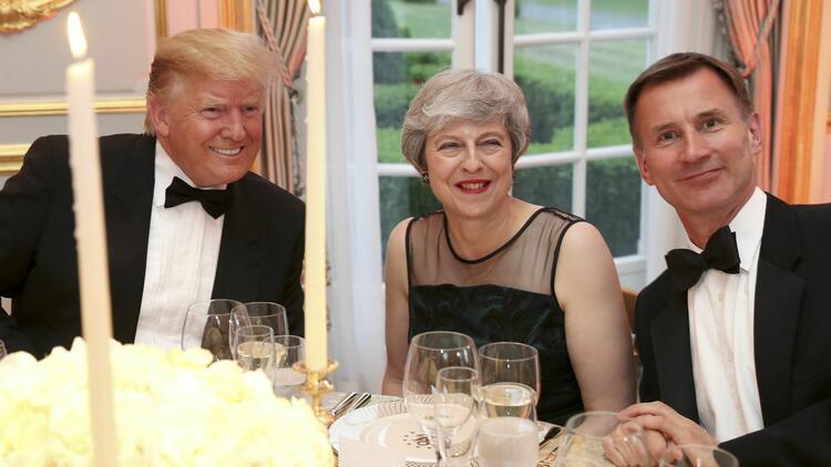 Trump Londra'da protestocularını değil destekçilerini 'kalabalık' buldu