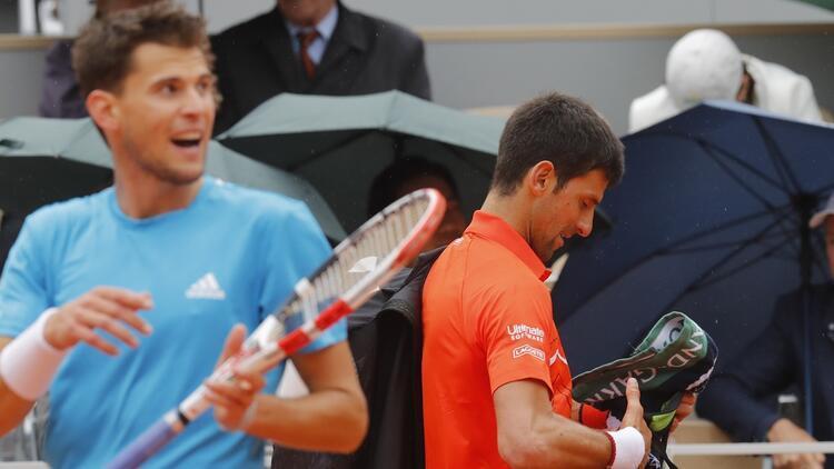 Djokovic Thiem maçı ertelendi