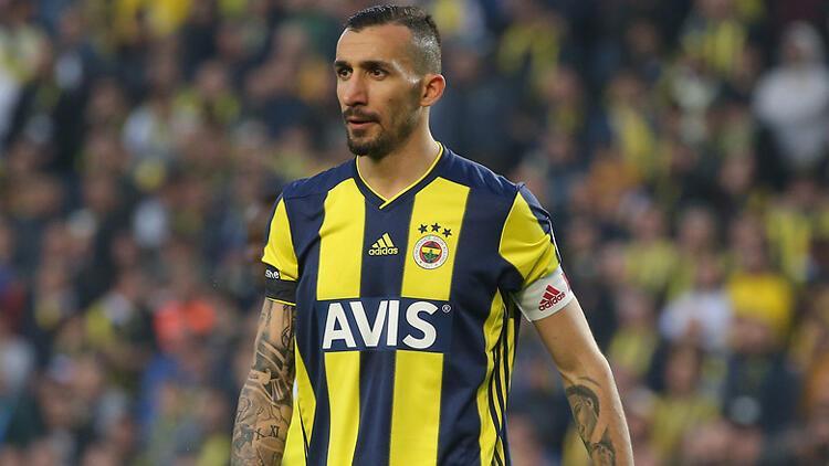 Fenerbahçe Mehmet Topal'la yollarını ayırdığını açıkladı