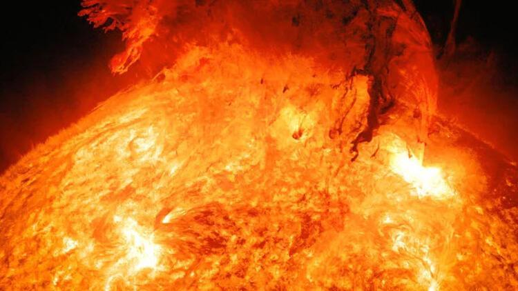 Güneş'teki süper patlamalar olacak, Dünya kararabilir!