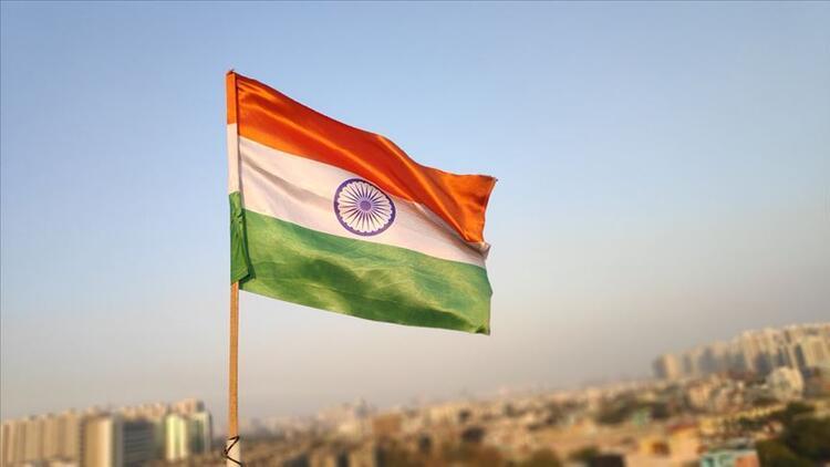 Hindistan'da muhalefet lideri istifa etti