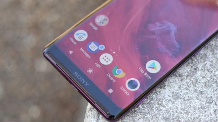 Sony de katlanabilen telefon yapıyor