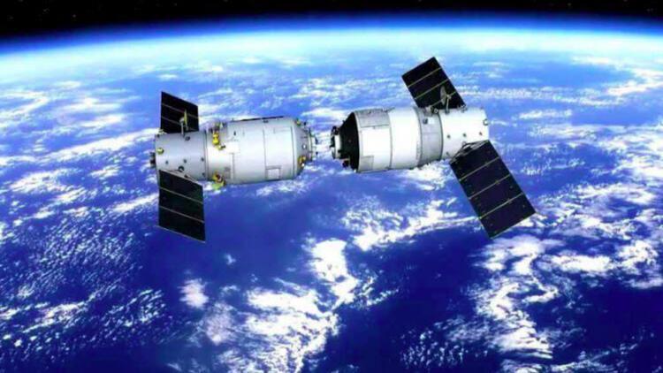 Çin'in uzay istasyonu Dünya'ya çakıldı
