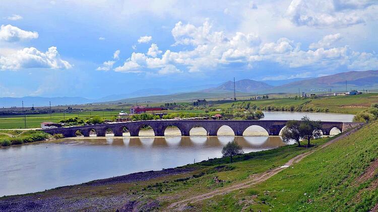 Tarihi Murat Köprüsü turizme kazandırılacak