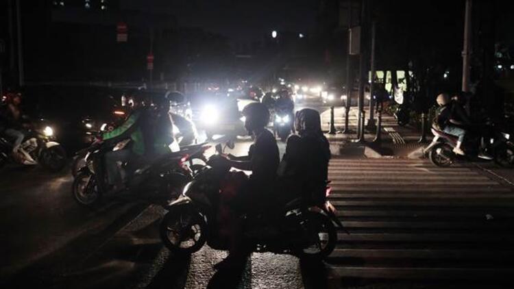 Büyük çaplı elektrik kesintisi! 10 milyon kişi etkilendi