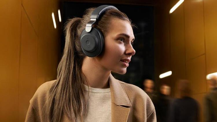 Jabra Elite 85H: Suya ve toza dayanıklı kablosuz kulaklık