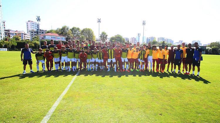 U19 derbisinde dostluk rüzgarı!