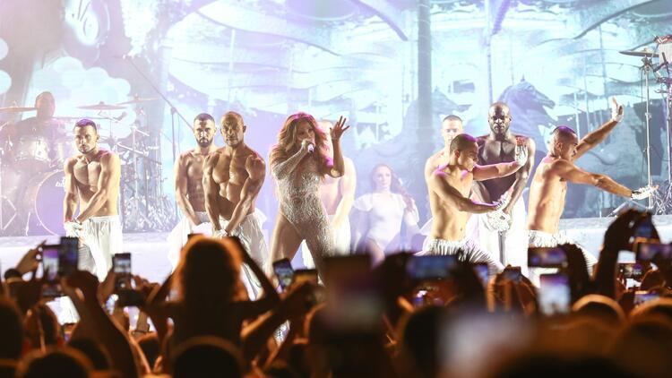 Jennifer Lopez Türk lezzetlerini tattı, sütlaca hayran kaldı