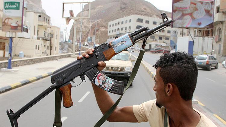 Yemen'deki Güney Geçiş Konseyi İçişleri Bakanının evini ele geçirdi