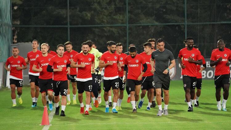 Gazişehir Gaziantep'te Fenerbahçe mesaisi başladı