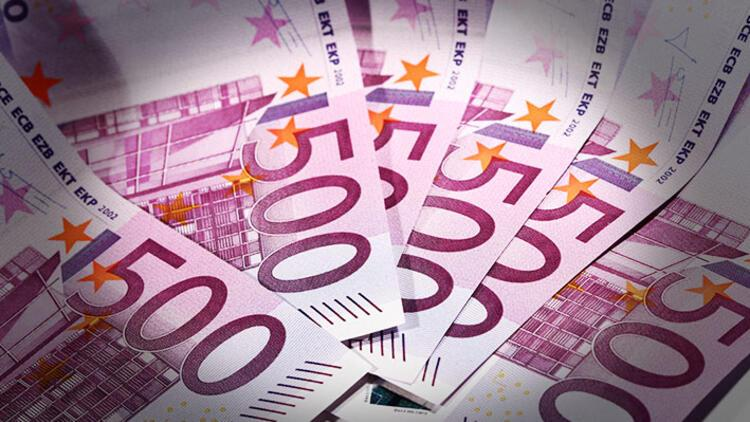 Mevduat sahipleri, bankaya 'negatif faiz ödeyecek'